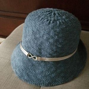 Accessories - Ladies knit hat